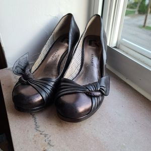 Black Report Wedges Size 7.5